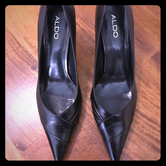 63a7fd748b2 **NWT** Aldo Falobris Black Heels - Size 9 NWT